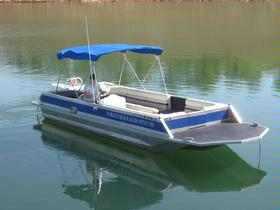 26' Deck Boat